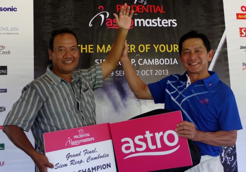 Gross winner Mohd Nor Kassim with Damai Laut GCC manager Lee Boon Seong_web